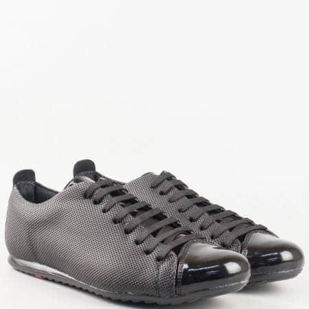 Мъжки спортни обувки произведени от висококачествена еко кожа в черен цвят 601-45lch
