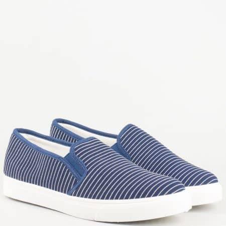 Дамски текстилни обувки с два ластика в синьо и бяло на равно ходило 6012s