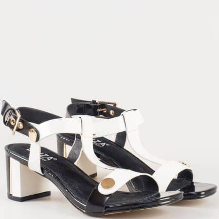 Дамски сандали със стилна визия изработени от висококачествена еко и естествена кожа на българския производител Eliza в бяло и черно 6043b