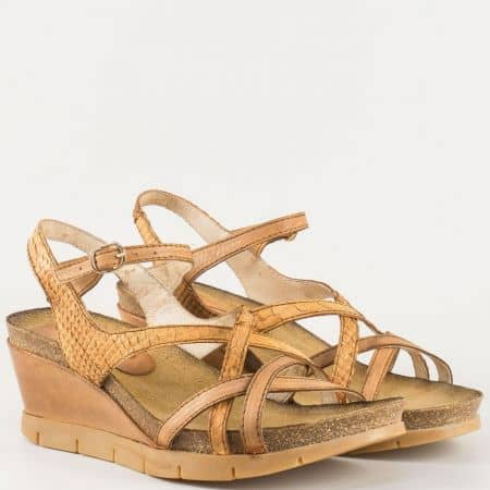 Дамски сандали с ежедневна визия изработени от изцяло естествена кожа на известен български производител в кафяв цвят 61105k