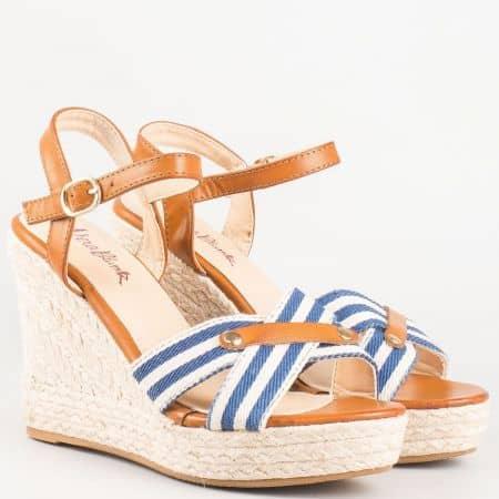 Дамски сандали на висока платформа в синьо бяло и кафяво 66025ps