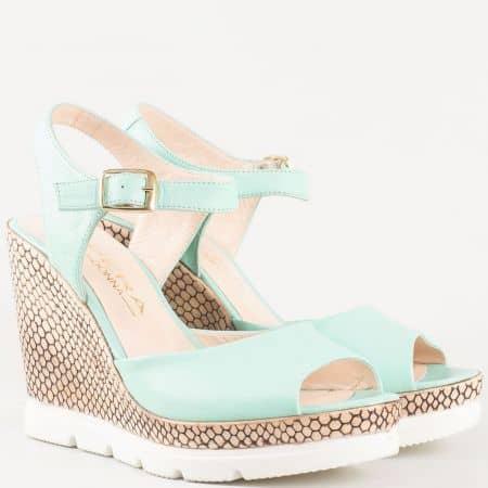 Дамски атрактивни сандали с изчистена визия от изцяло естествена кожа в зелен цвят 694112z