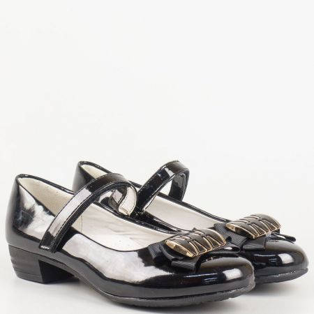 Стилни детски обувки тип балерина в черен лак за малките дами 698lch