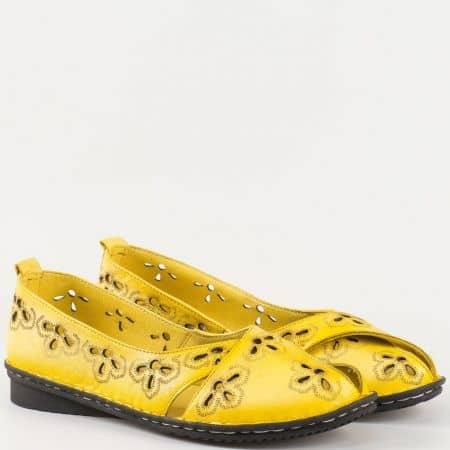 Дамски балерини изработени от изцяло естествена кожа с лазер в жълт цвят 706j