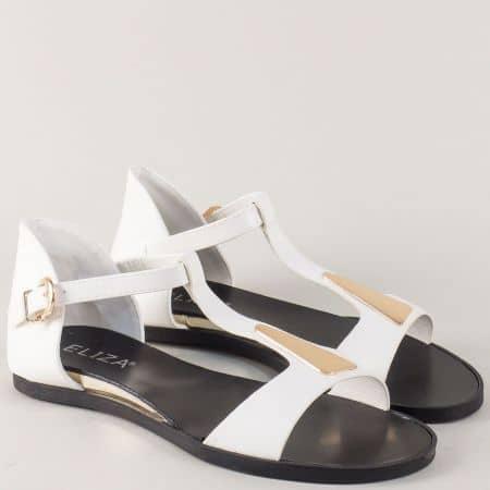 Бели дамски сандали с актуална визияна на равно ходило 72057b