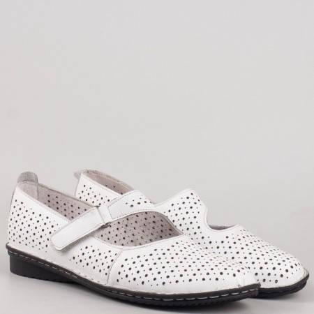 Обувки на нисък ток- дамски в бяла естествена кожа с перфорация  730b
