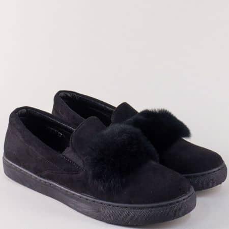 Дамски спортни обувки в черен цвят на равно ходило 735ch