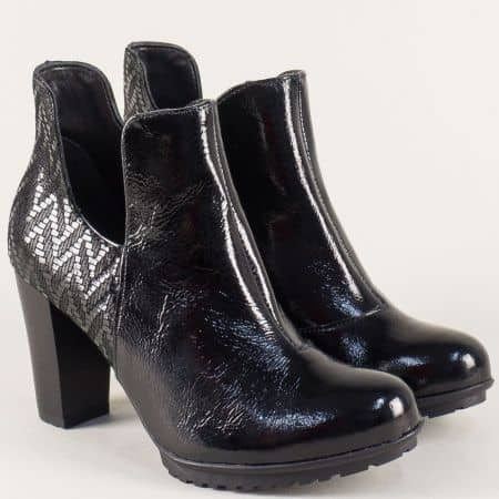 Лачени дамски боти на висок ток в черен цвят 7461lch