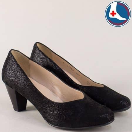 Кожени дамски обувки на сресден ток в черен цвят 8118ch