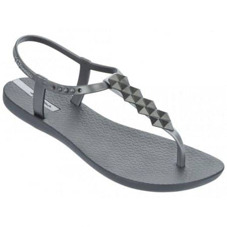 Модерни и комфортни  дамски сандали на световноизвестната бразилска марка Ipanema, изпълнени в графитено сив цвят 8145821947