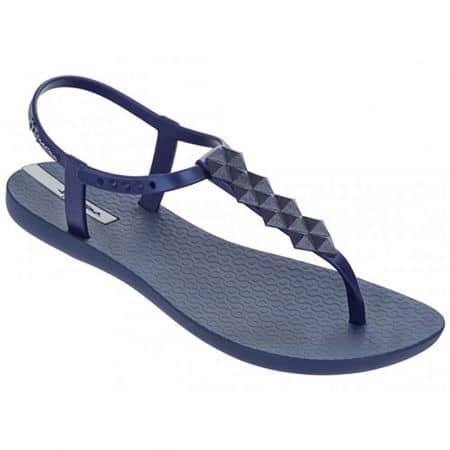 Модерни и комфортни  дамски сандали на световноизвестната бразилска марка Ipanema, изпълнени в тъмно син цвят 8145822545