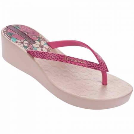 Дамски удобни джапанки на удобно клин ходило с каишка между пръстите на Ipanema в розов цвят 8170322521