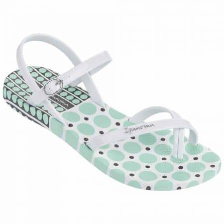 Дамски сандали на гъвкаво, комфортно ходило с актуална за сезона визия на бразилската марка Ipanema в бяло и зелено 8170922543