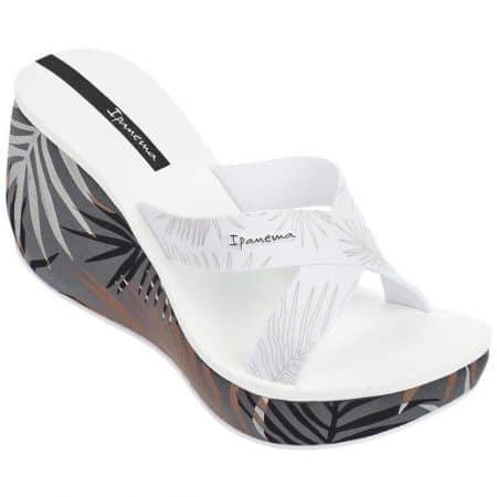 Атрактивни дамски чехли Ipanema в бял и сив цвят на платформа 8193423968