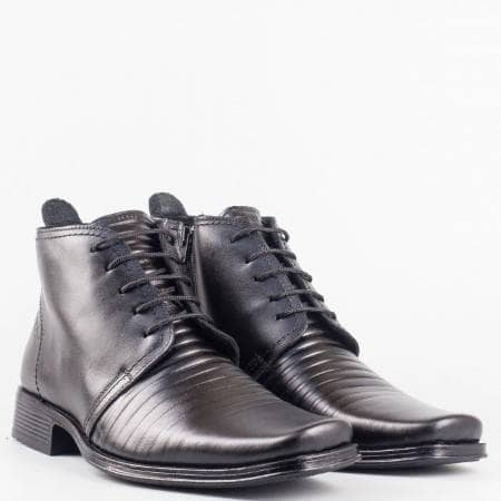 Мъжки стилни боти произведени от висококачествена естествена кожа с връзки в черен цвят 81ch