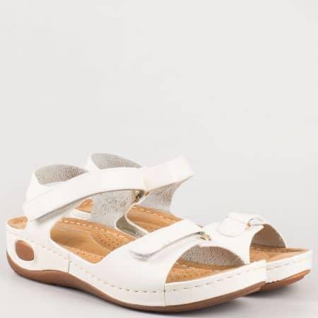Бели дамски сандали на комфортно ходило  8200b