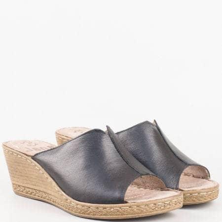 Дамски чехли на платформа от черна естествена кожа, производител Jana 827210ch
