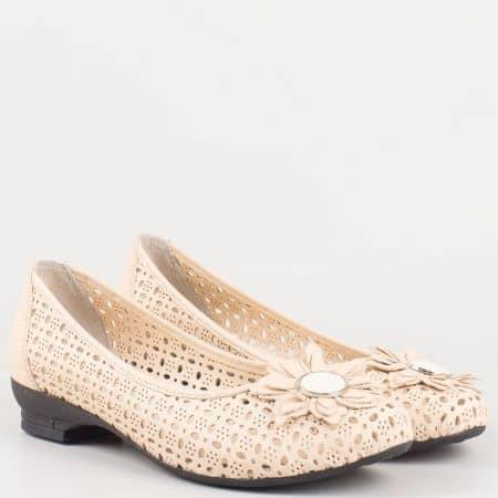 Бежови ежедневни дамски обувки на нисък ток 83bj