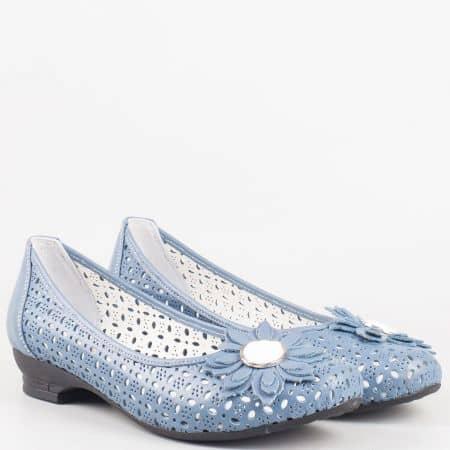 Дамски обувки за всеки ден на нисък ток от синя естествена кожа с перфорация на утвърден български производител 83s