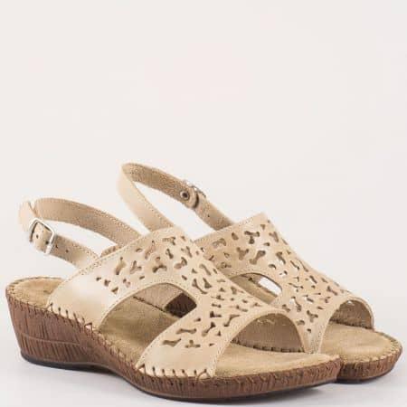 Комфортни дамски сандали Glamourella в бежов цвят 8497bj