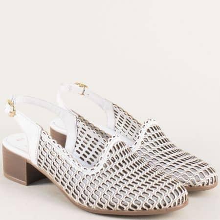 Бели дамски обувки от естествена кожа с перфорация  850501b