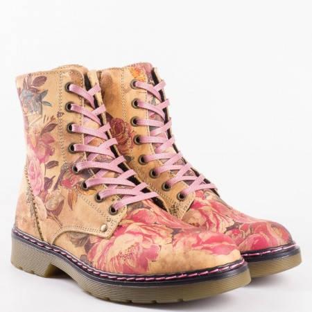 Модерни дамски боти в свежа цветова комбинация с флорални мотиви от естествена кожа  8758bjps