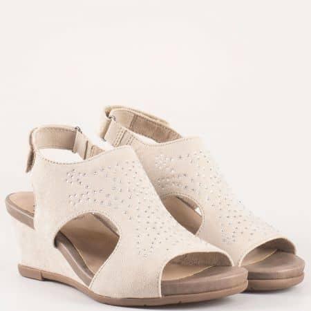 Дамски сандали на комфортно клин ходило на немския производител Jana в бежов цвят 828701bj