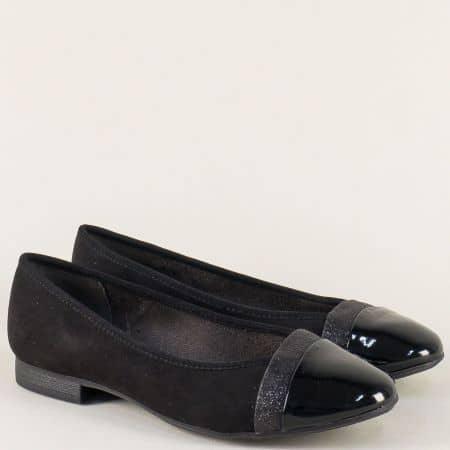 Стилни дамски обувки Jana в черен цвят на равно ходило 8822165vch