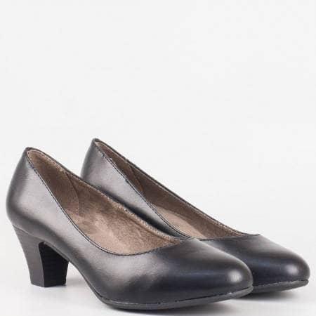 Комфортни дамски обувки Jana, Изпълнени са във висококачествена еко кожа в черен цвят 8822463ch