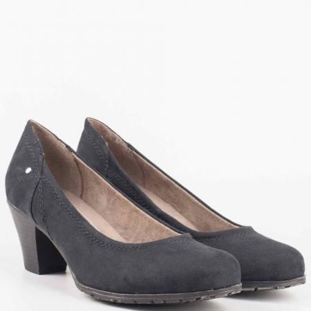 Класически дамски обувки на среден ток в черен цвят на немският производител Jana 8822465vch