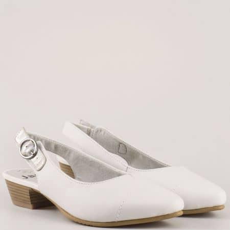 Дамски обувки на комфортно ходило изработени от висококачествена естествена кожа на немския производител Jana в бежов цвят 8829400b