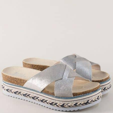 Сребристи дамски чехли от естествена кожа на комфортна платформа 886000sv