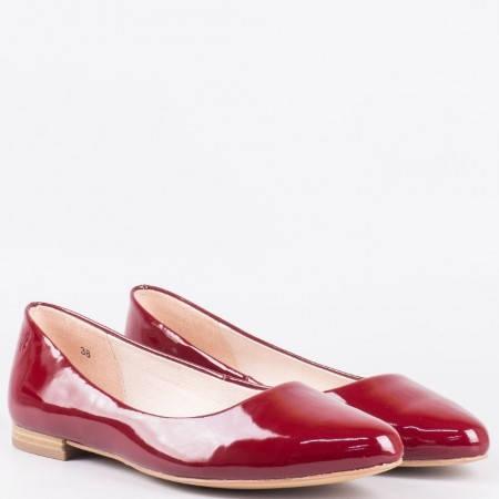 Дамски стилни обувки, тип балерини, с естествена кожена стелка на немския производител Caprice в червен цвят 922107lchv