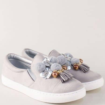 Сиви дамски обувки с декорация на равно ходило  9243sv