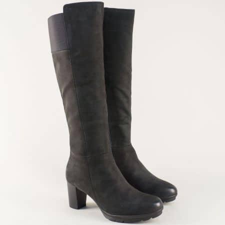 Черни дамски ботуши на ток от естествен набук- Caprice  925650nch