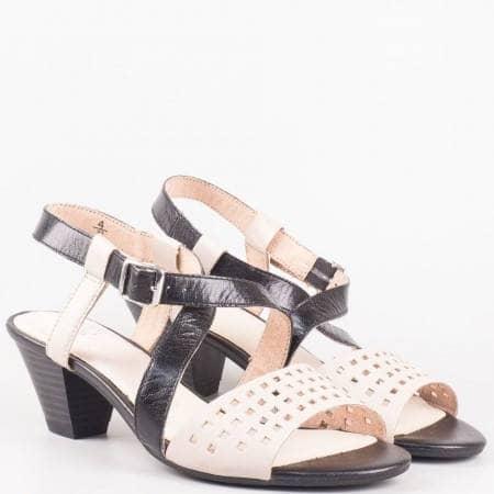 Дамски елегантни сандали от естествена кожа на среден ток-  Caprice в черно и бежово 928301bjch