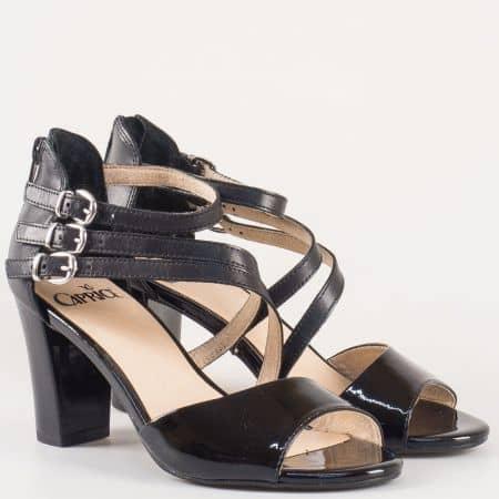Дамски сандали на висок стабилен ток изработени от висококачествена естествена кожа и еко лак на изестния немски производител Caprice в черен цвят 928313ch