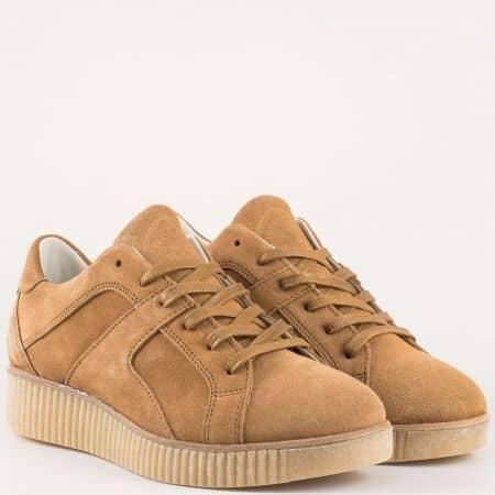 Спортни дамски обувки на каучукова платформа с връзки от естествена кожа в кафяво- Bullboxer  932000vk