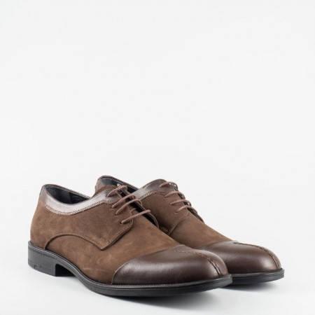 Кафяви ежедневни мъжки обувки, в атрактивна комбинация от естествена кожа и естествен велур 933k