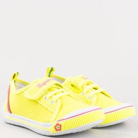 Жълти детски кецове Athletic с удобна велкро лепенка 9468-35z
