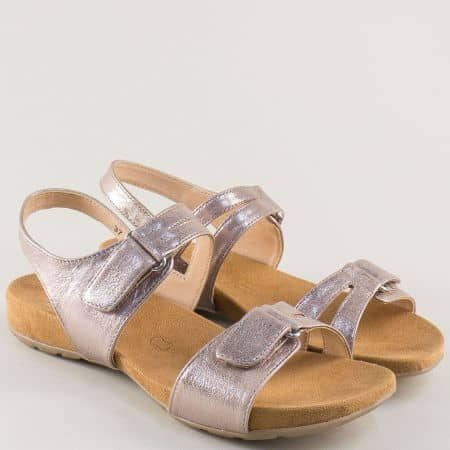 Нежно розови дамски сандали Caprice от естествена кожа на равно ходило 9928607rz