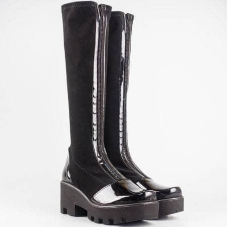 Дамски ботуши в комбинация от стреч материал и еко лак на български производител в черен цвят 9956641nchlch