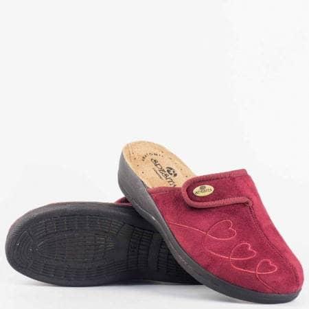 Дамски пантофи в цвят бордо тип чехли с анатомично ходило и велкро лепенка за регулиране на ширината gloriyabd