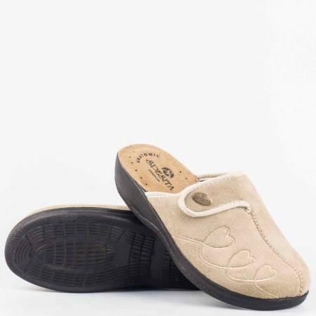 Бежови дамски пантофи тип чехли с анатомично ходило и велкро лепенка за регулиране на ширината gloriyabj