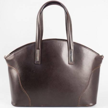 Изчистен модел дамска чанта от естествена кожа на италиански производител в тъмно кафяв цвят a1490kk