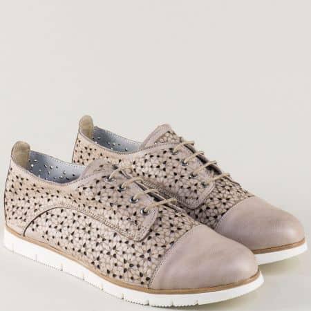 Дамски обувки с принт и перфорация в бежов цвят amina983abj