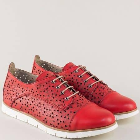 Перфорирани дамски обувки от червена естествена кожа amina983achv