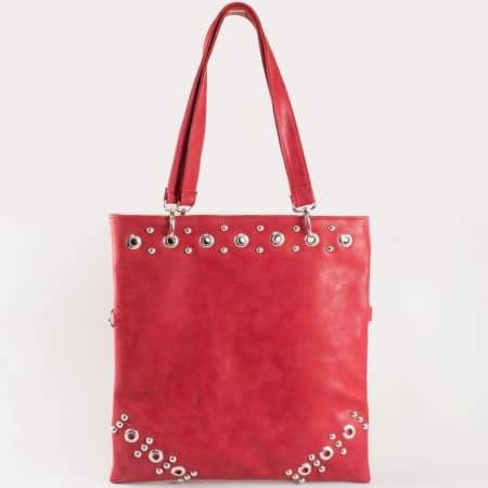 Дамска чанта  за всеки ден с метални капси и две дръжки на български производител в червен цвят ch1020chv