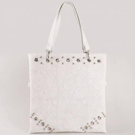Дамска атрактивна чанта за всеки ден с капси на български производител в бяло ch1020db