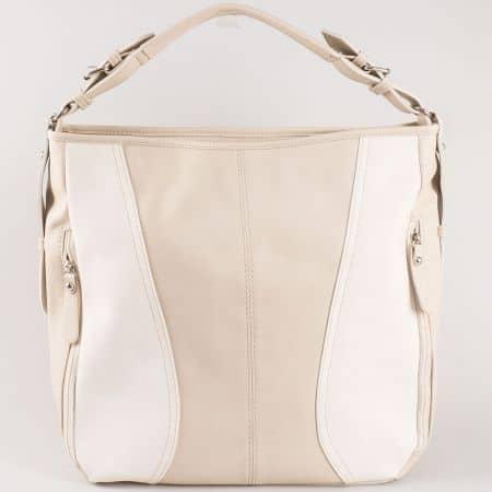 Дамска ежедневна чанта с атрактивна визия на български производител в бежов и бял цвят ch1054bj